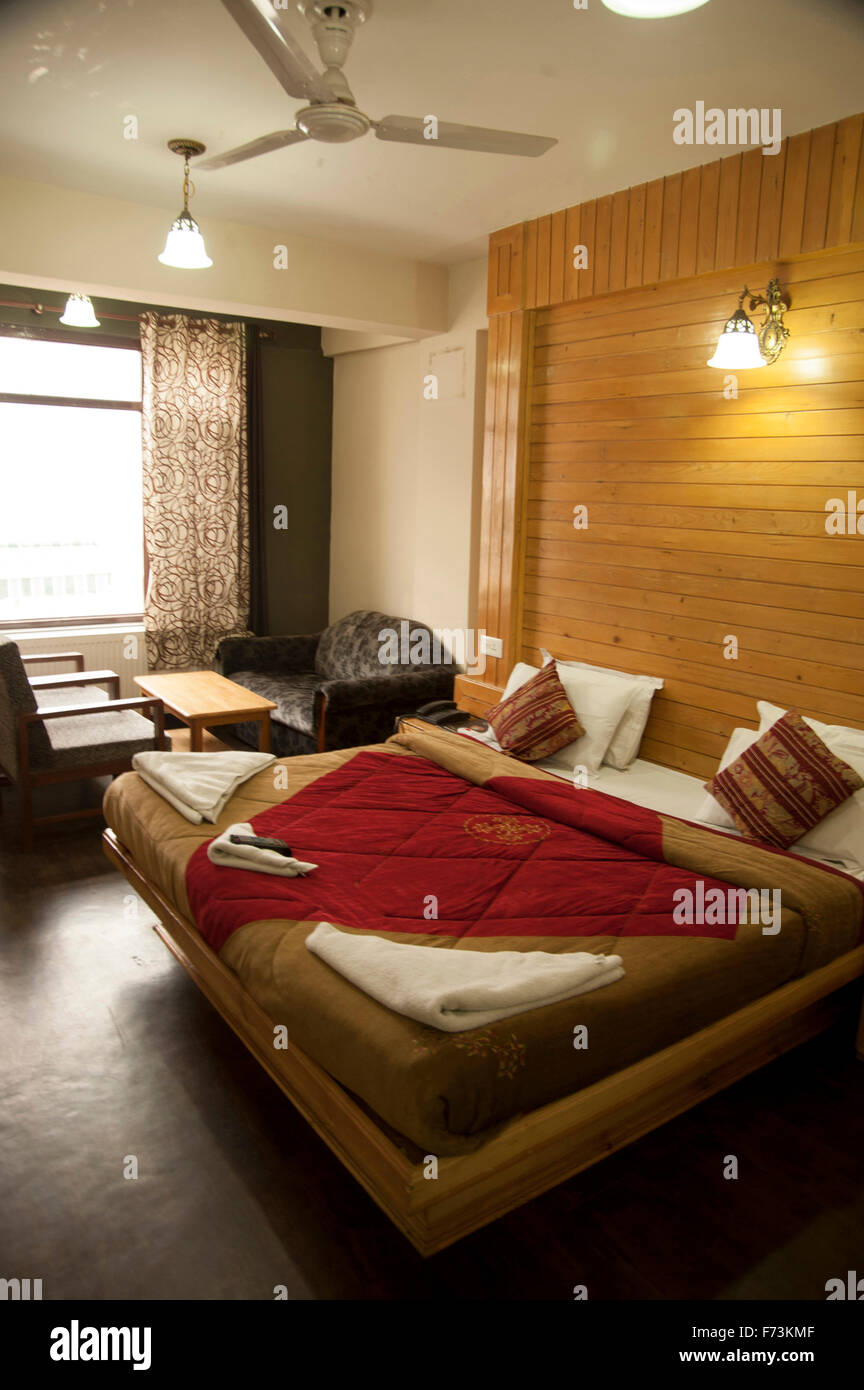 Bed Room Wall Stock Photos & Bed Room Wall Stock Images ...