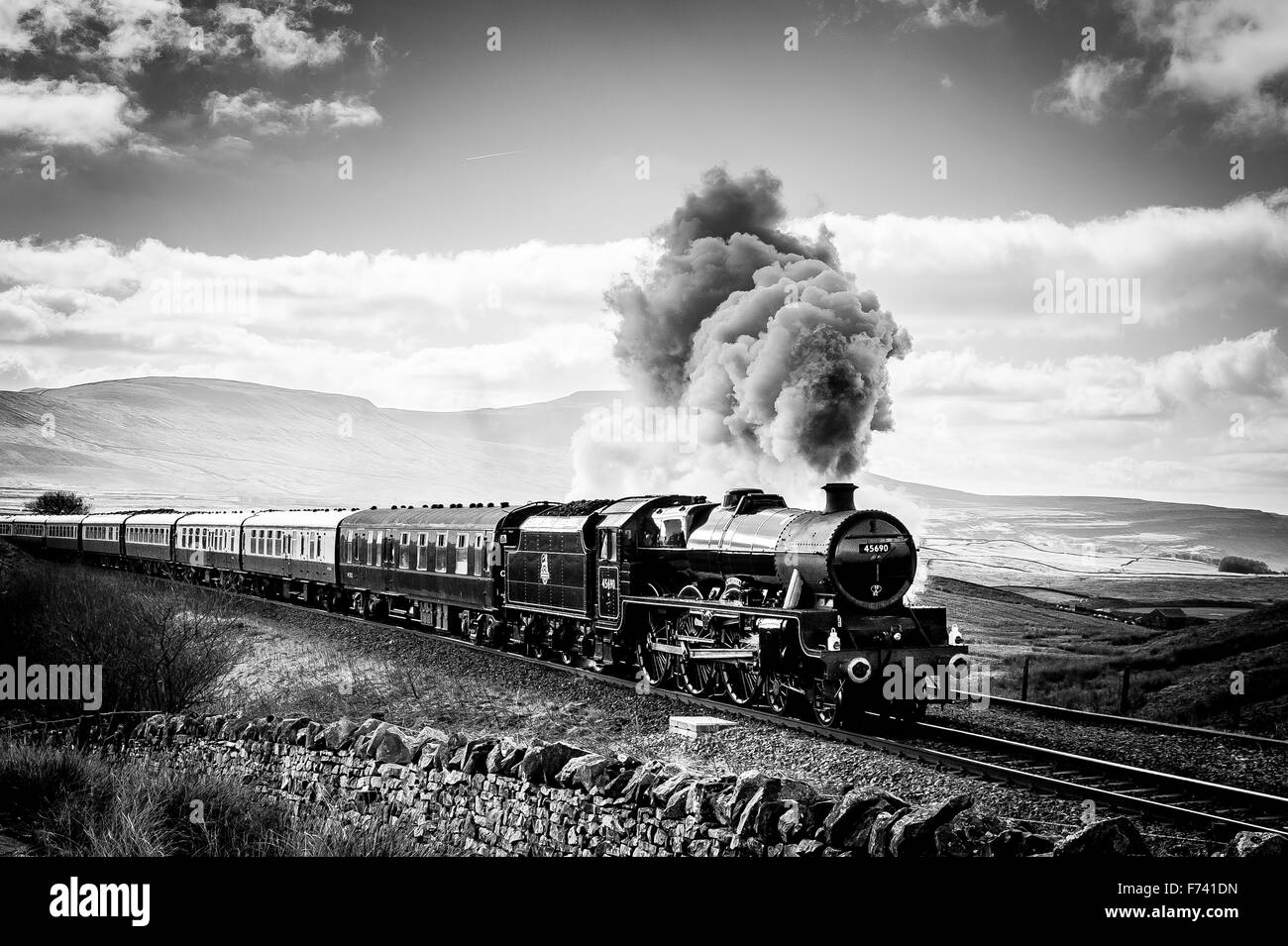 The Fellsman steam train Leander at Ribblehead - Stock Image