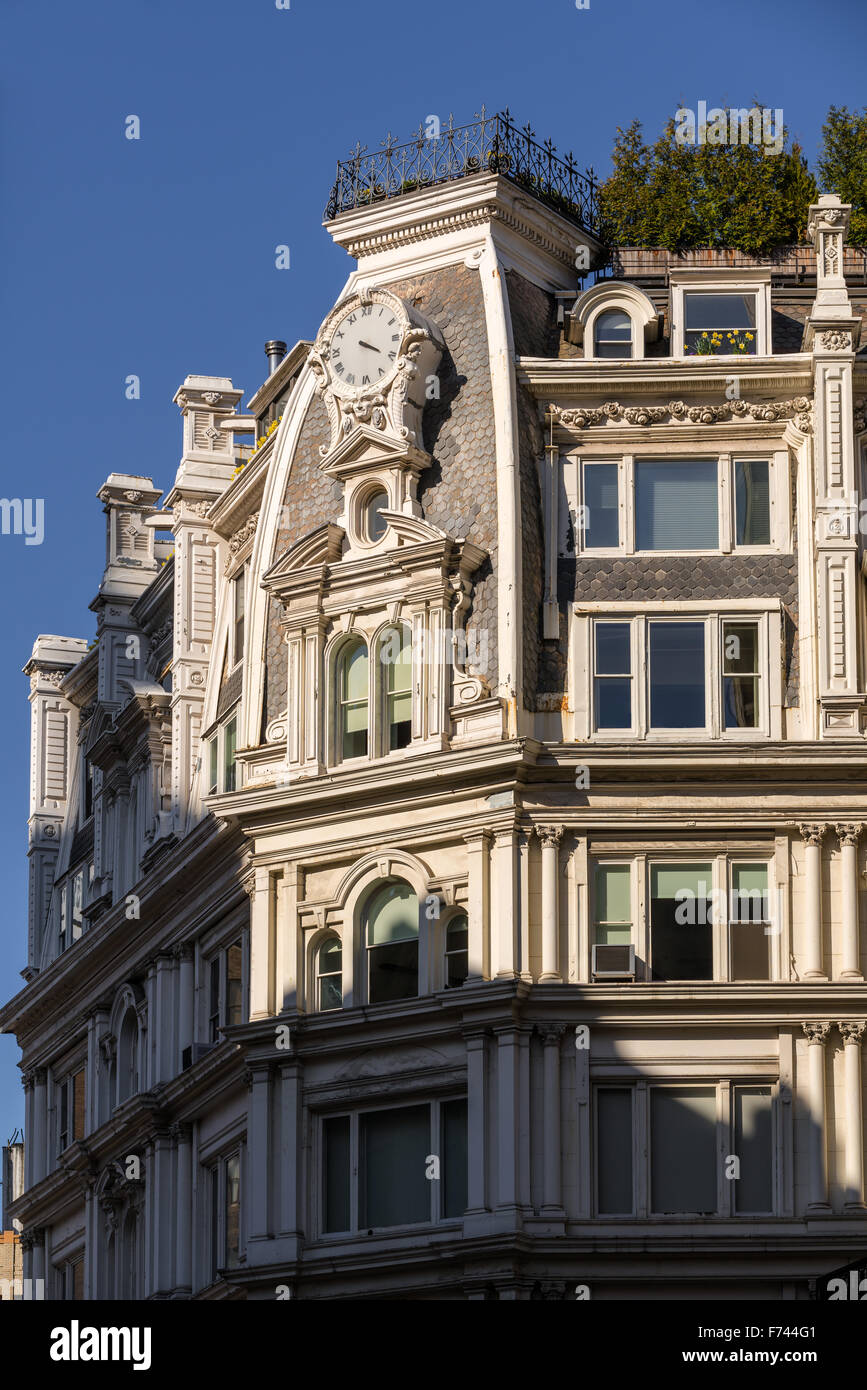 Architectural detail of Second Empire building in Chelsea, Manhattan, New York City - Stock Image