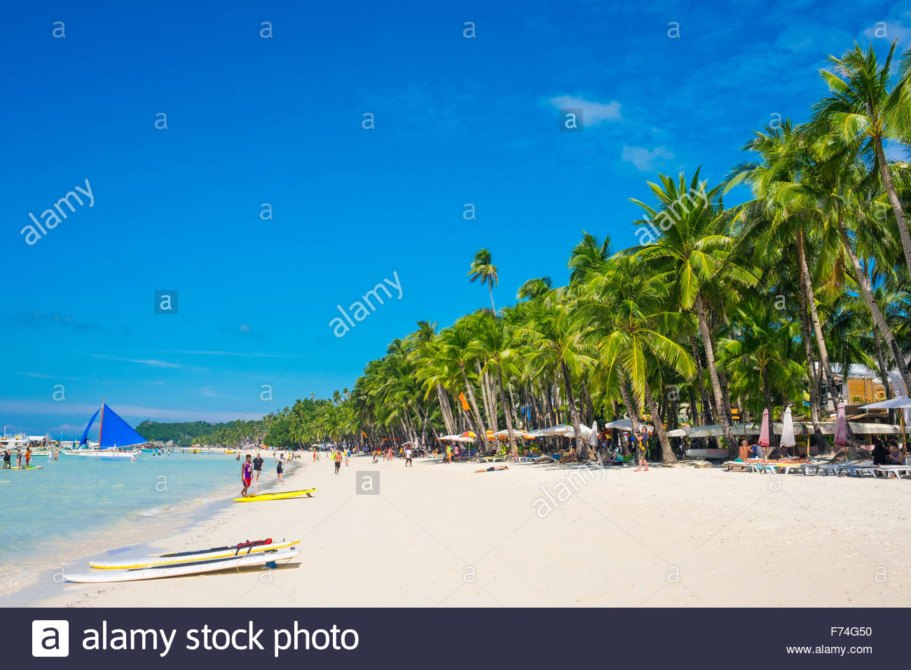 White sand and palm trees on White Beach, Boracay Island
