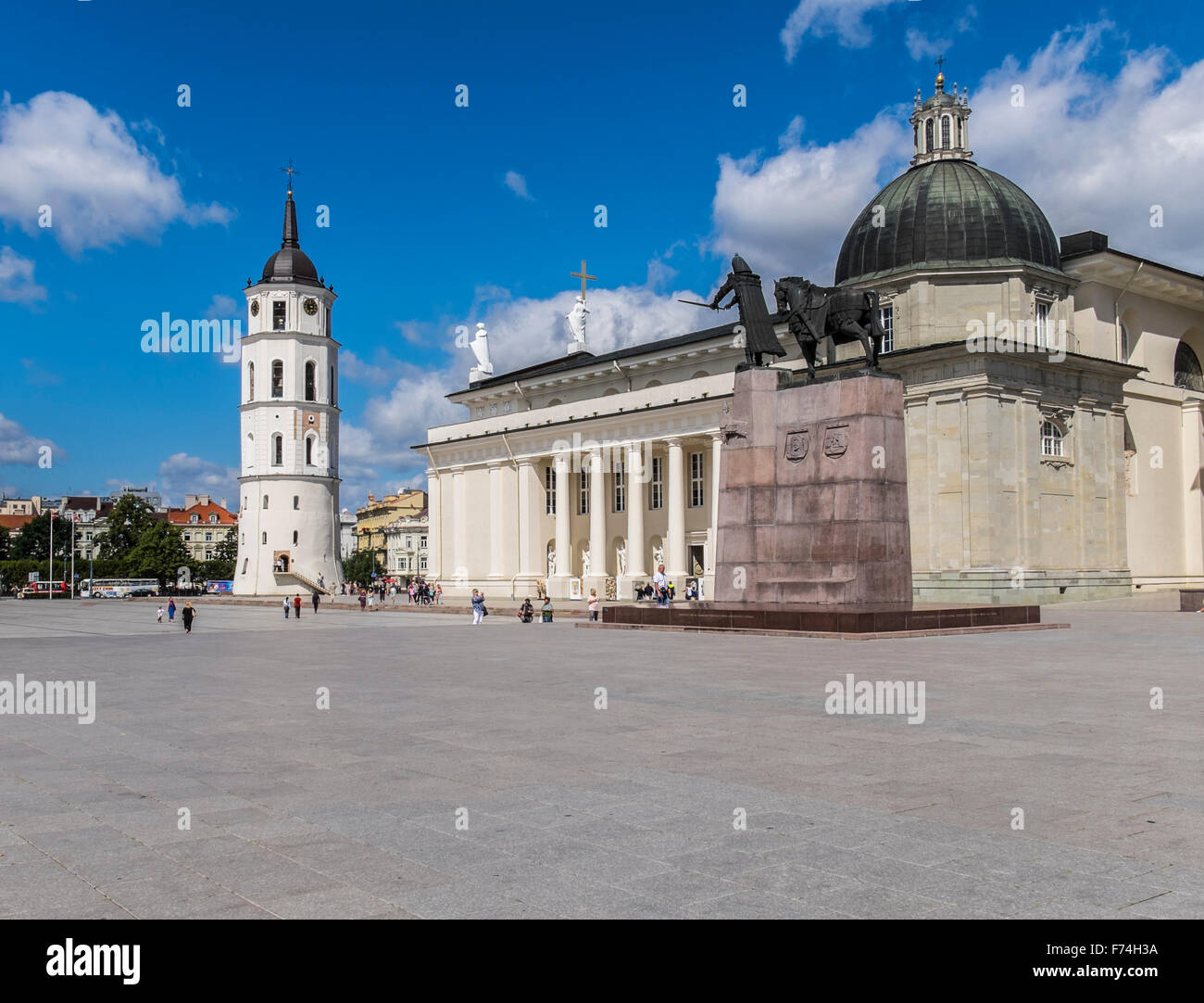 Cathedral with Bell Tower and Gediminas statue Square in Vilnius, Lithuania - Stock Image