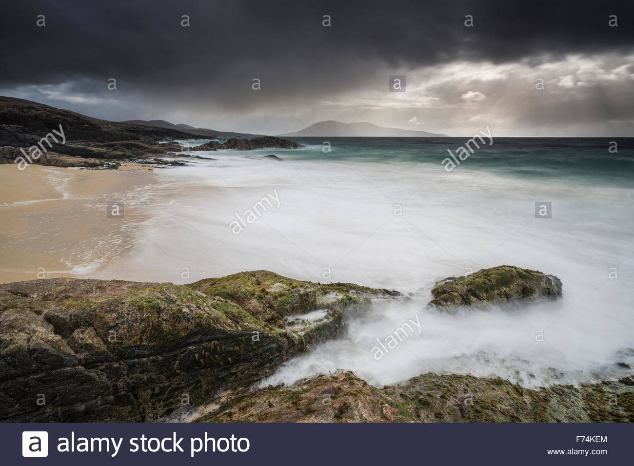 The ebb and flow of the tide at Borve Mor, Isle of Harris, Outer Hebrides, Scotland - Stock Image