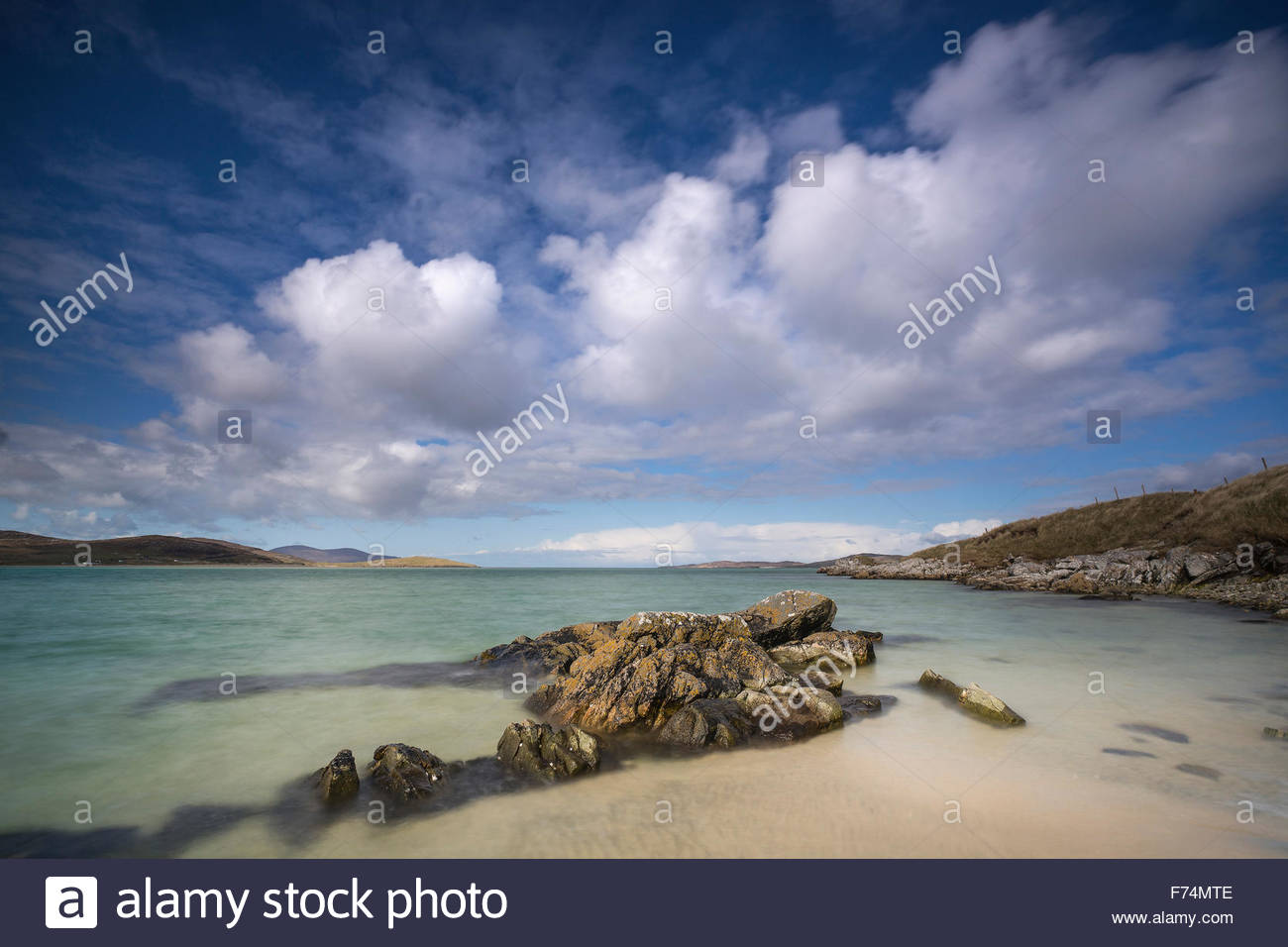 The coastline and sky at Luskentyre, Isle of Harris, Outer Hebrides, Scotland - Stock Image