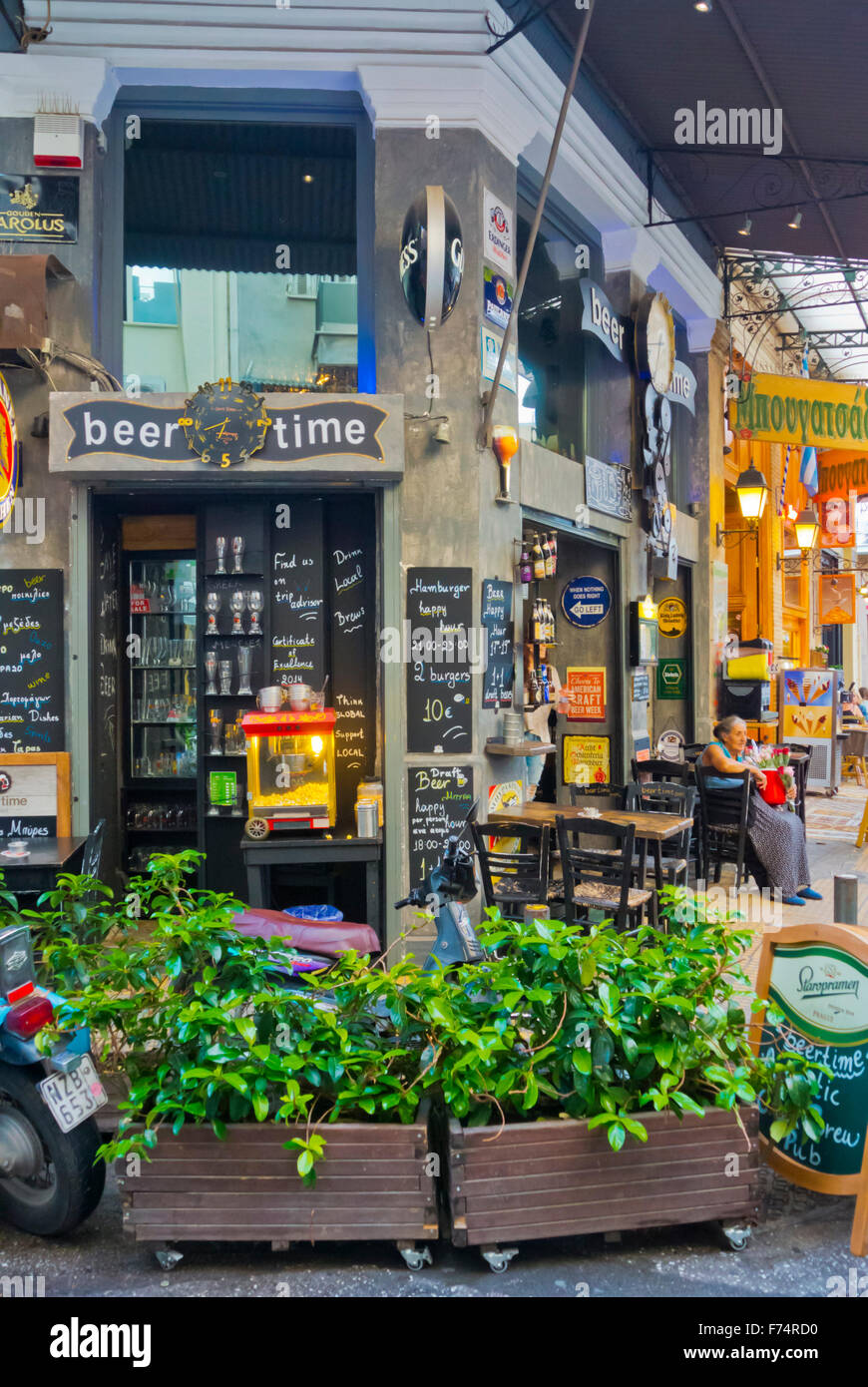 Beer Time pub, plateia Iroon, Heroes square, nightlife spot, Psyri district, Athens, Greece - Stock Image
