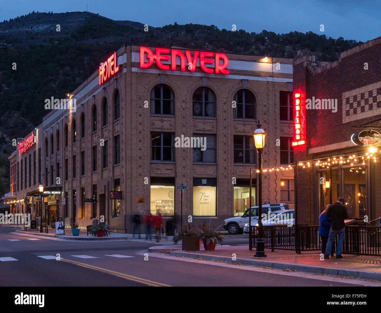 Hotel Denver at dusk, Glenwood Springs, Colorado. - Stock Image