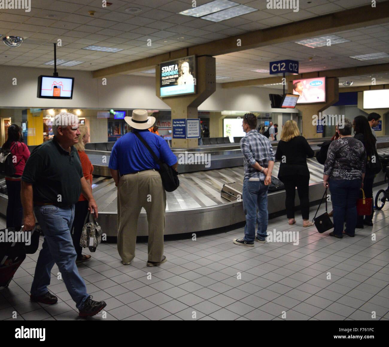 Dallas Texas Usa 25th Nov 2015 Terminal C Baggage