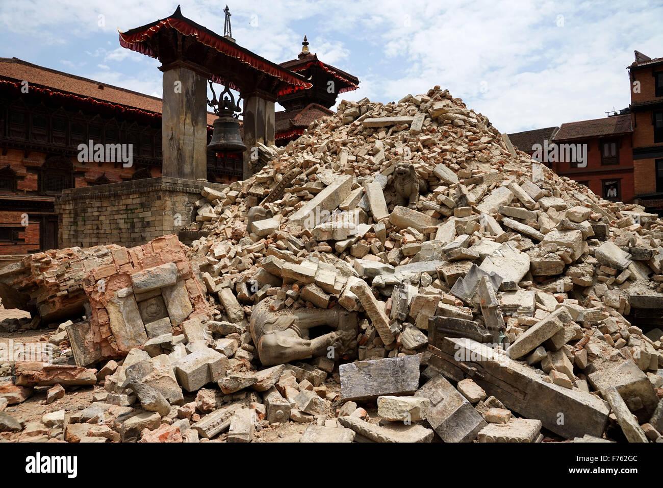 Temple destroyed, earthquake, bhaktapur, kathmandu, nepal, asia - Stock Image