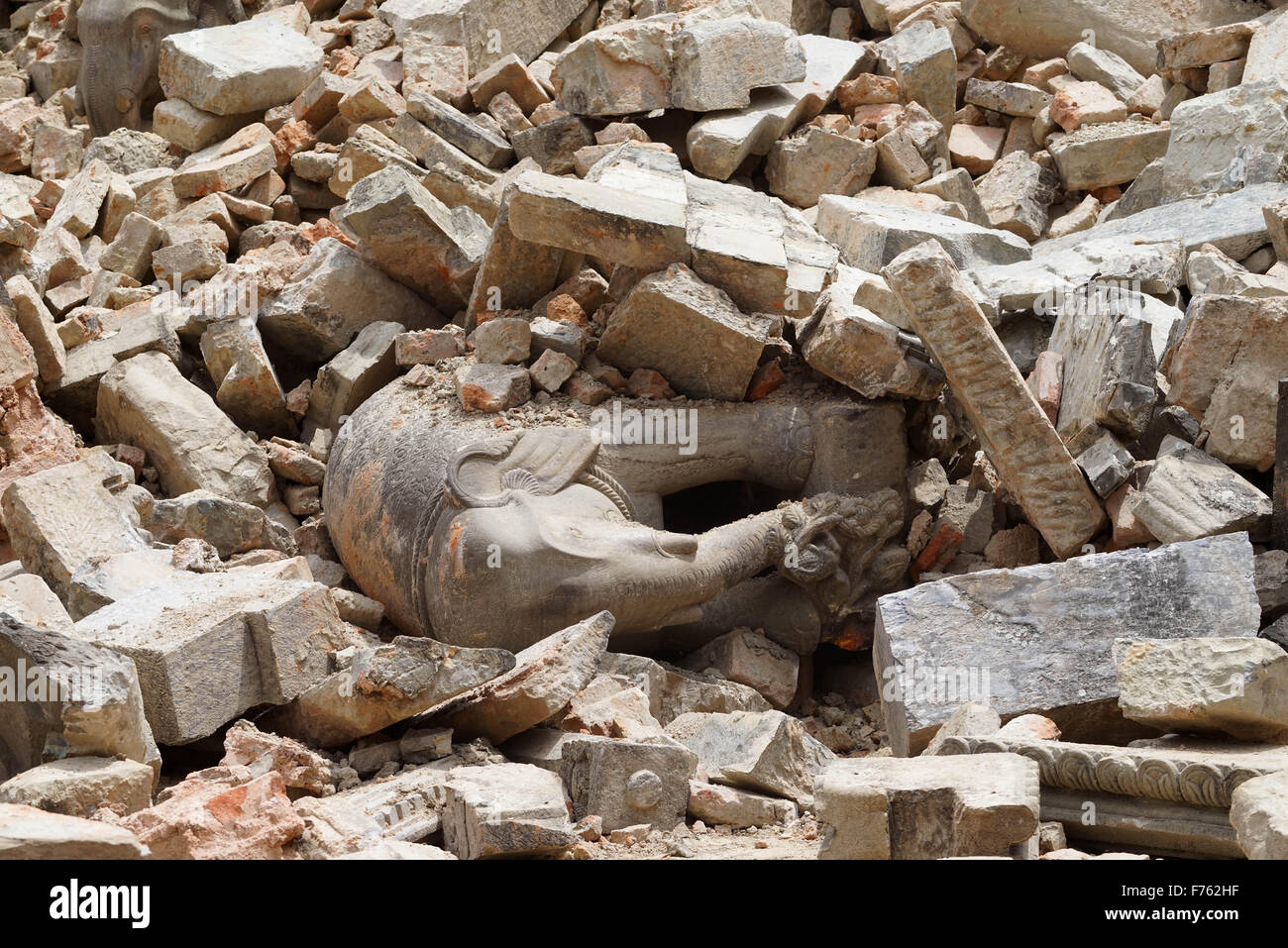 Portion of temple destroyed, earthquake, bhaktapur, nepal, asia - Stock Image