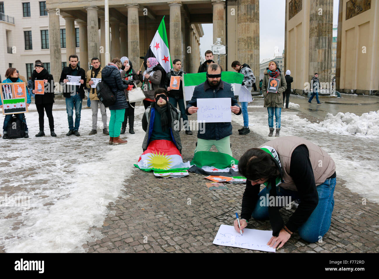 Proteste syrischer Exilanten vor dem Brandenburger Tor, Berlin. - Stock Image