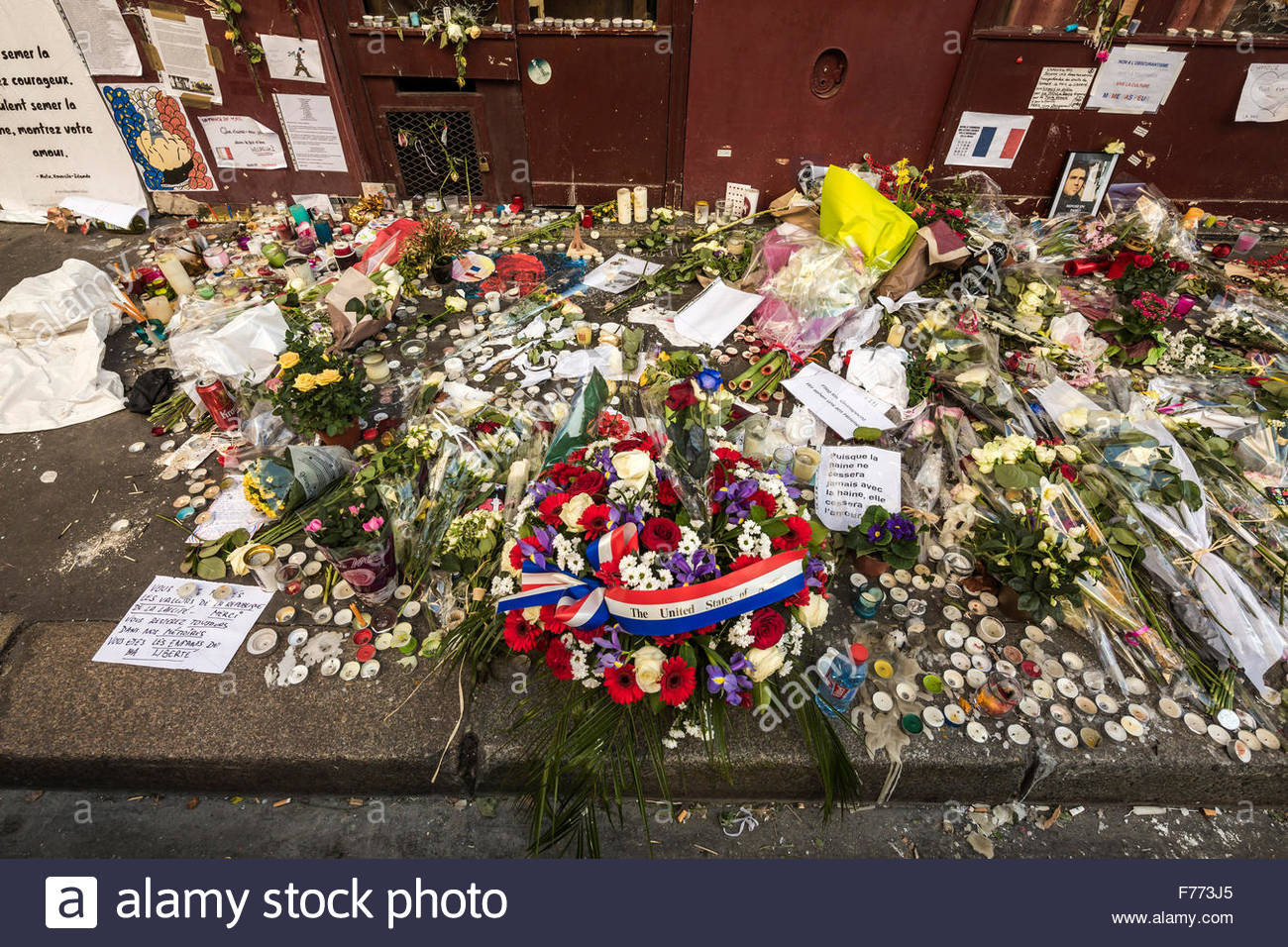 Paris, restaurant le Carillon, 23/11 2015. French tributes to the victims of the terrorist attacks of November 13, Stock Photo