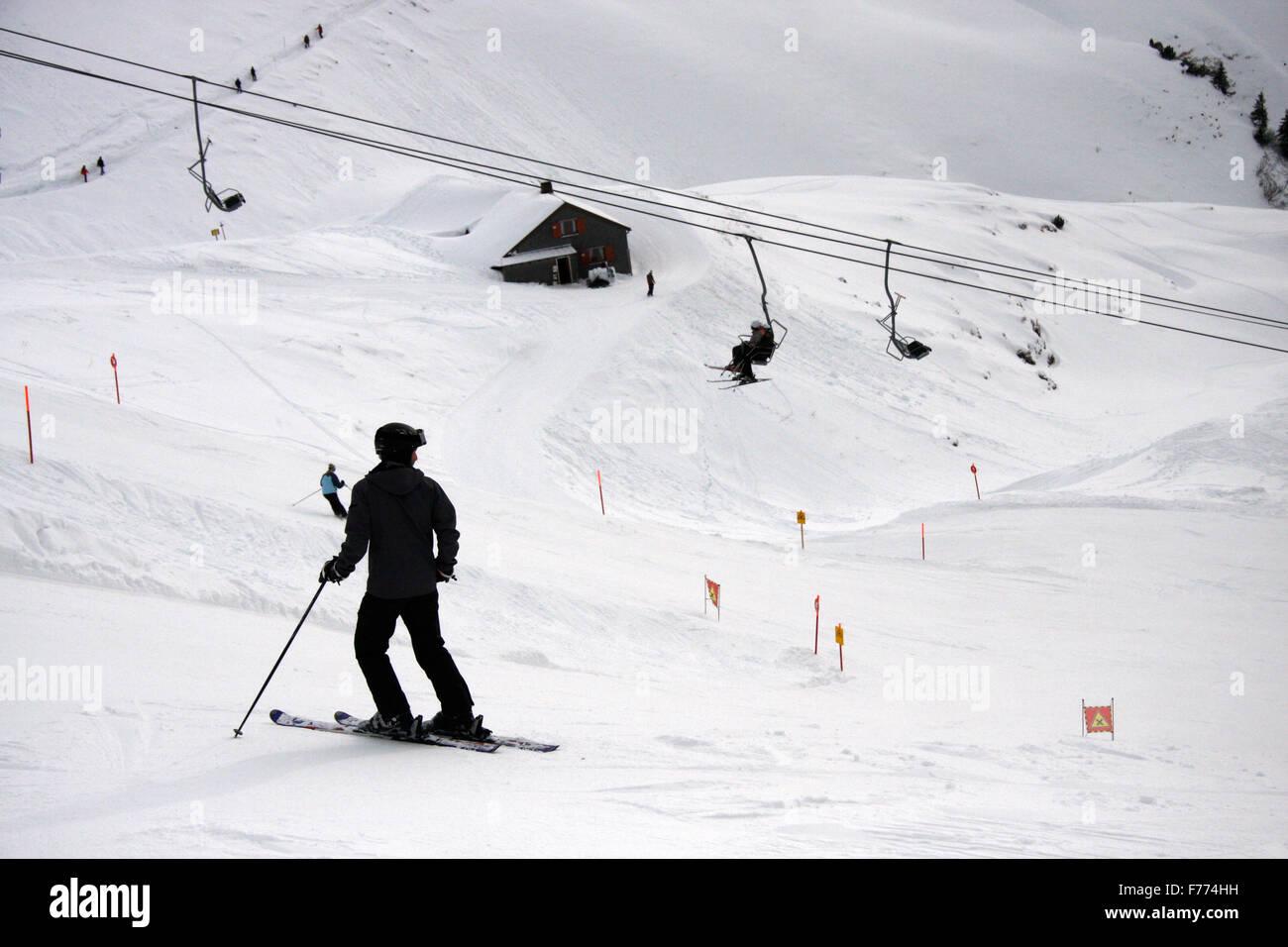 Ski alpin auf dem Nebelhorn, Winterstimmung, Oberstorf, Bayerische Alpen. - Stock Image