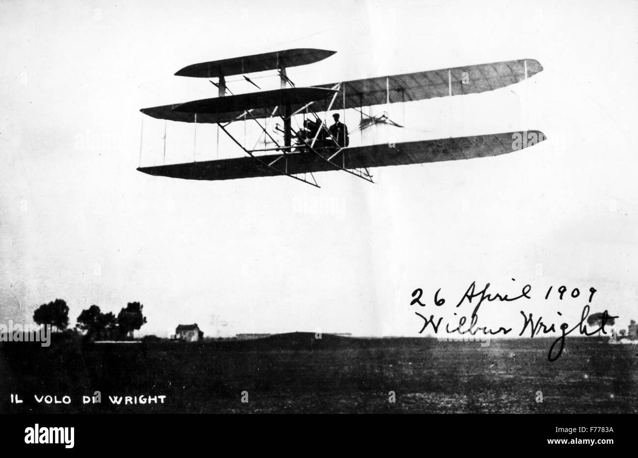 a flight of Wilbur Wright in a photo autographed by the same manufacturer and aviator,1909 - Stock Image