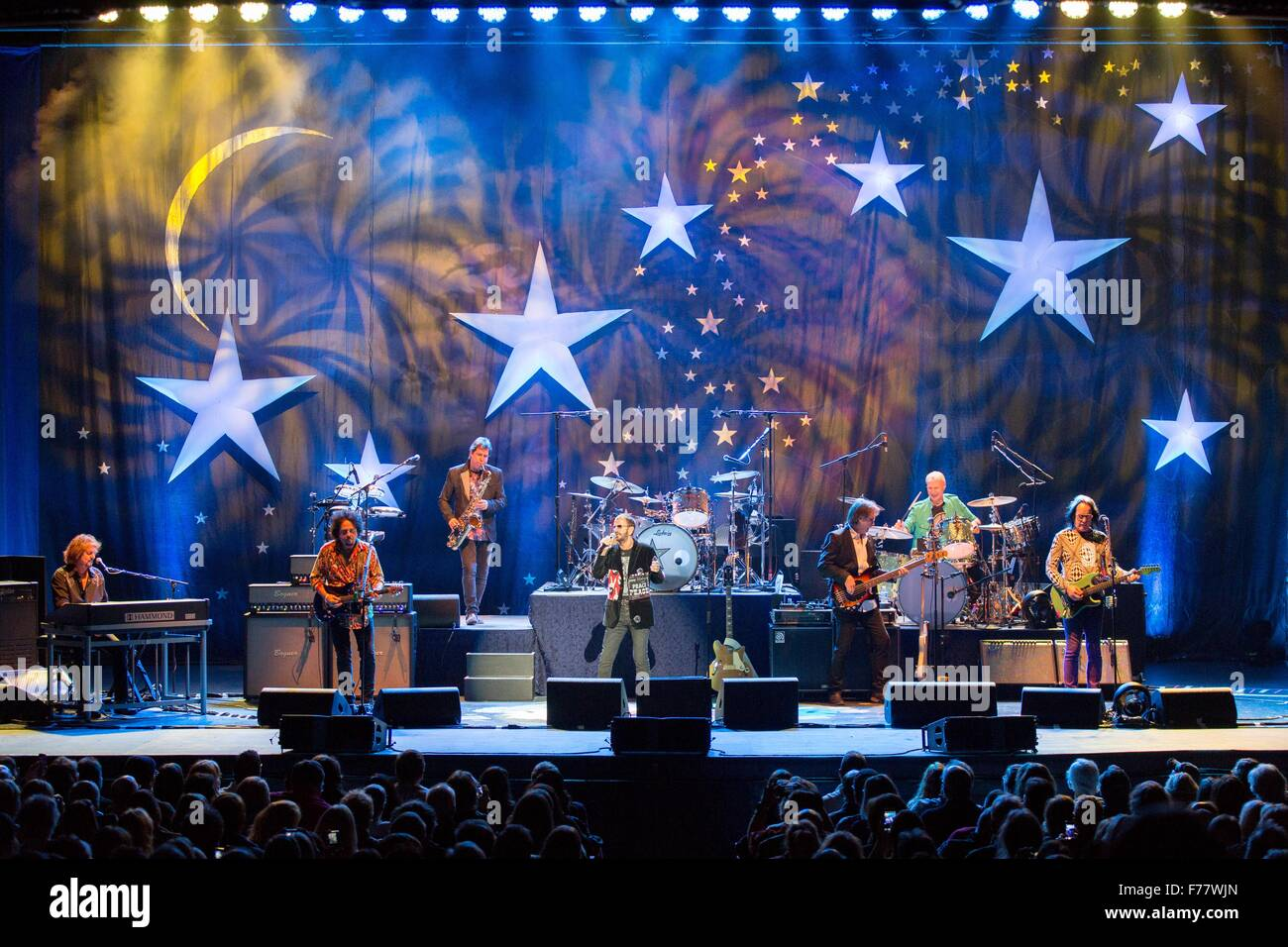 Milwaukee, Wisconsin, USA. 17th Oct, 2015. Musician RINGO STARR performs live with his All-Starr Band at the Riverside - Stock Image