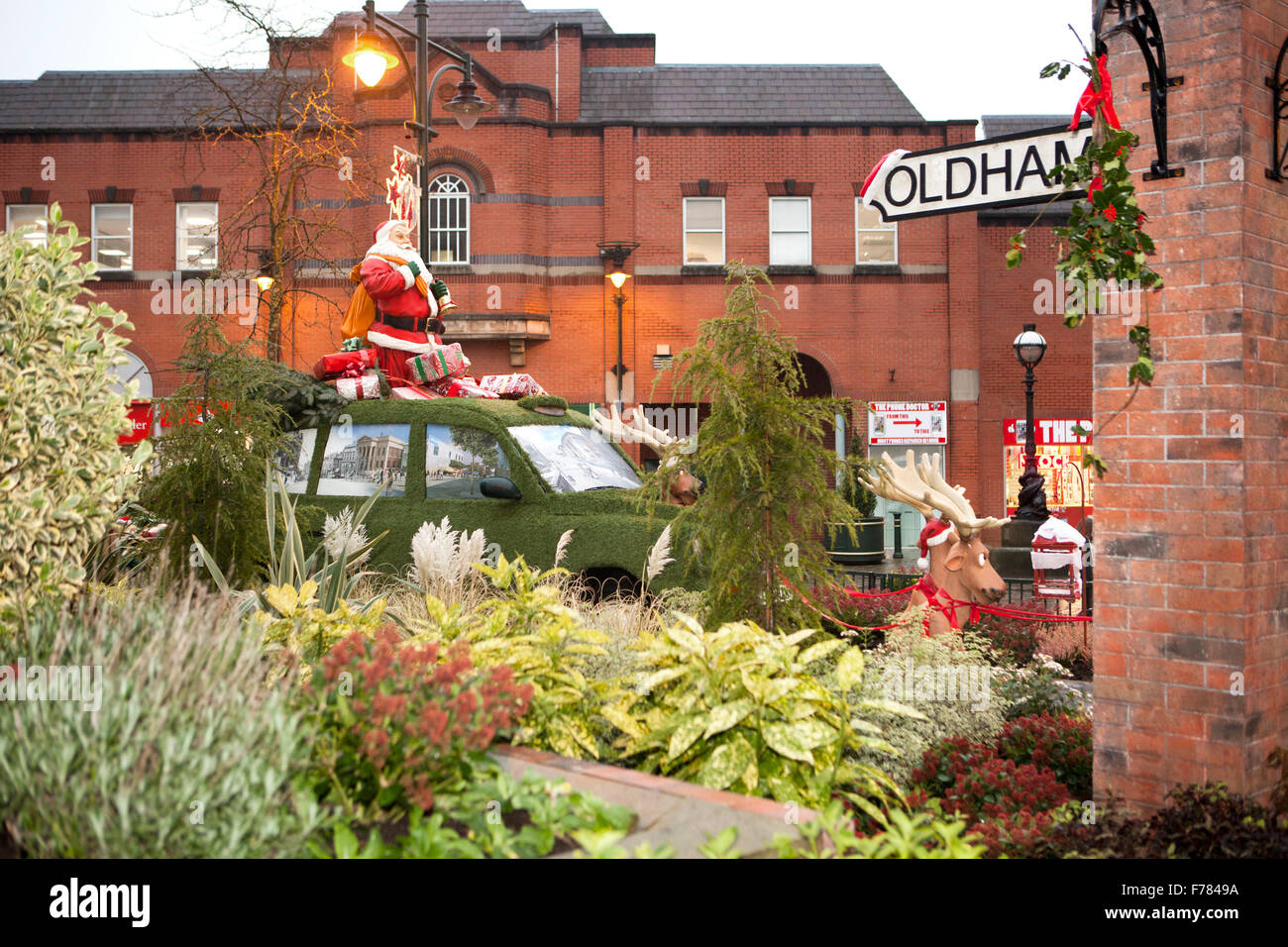 Oldham, Manchester, UK  Christmas decorations central precinct, & Town square. - Stock Image
