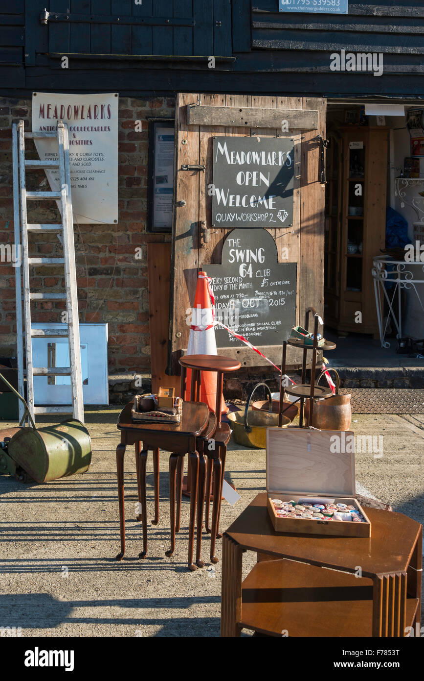 Meadowlarks Antiques & Collectables shop, Faversham Creek, Faversham, Kent, England, United Kingdom - Stock Image