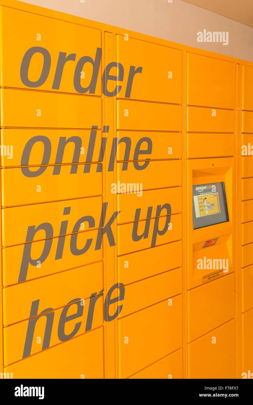 Amazon online pick up Amazon locker, Market Place, Warminster, Wiltshire, England, United Kingdom - Stock Image