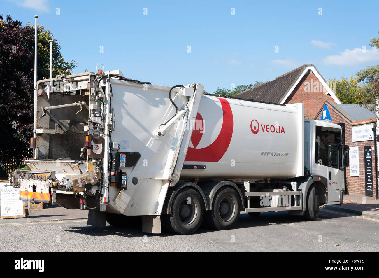 Veolia rubbish truck, Church Lane, Chalfont St Peter, Buckinghamshire, England, United Kingdom - Stock Image