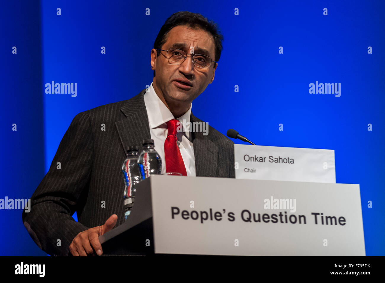 London, UK.  26 November 2015.  Dr Onkar Sahota, the London Assembly Member for Ealing and Hillingdon chairs People's - Stock Image