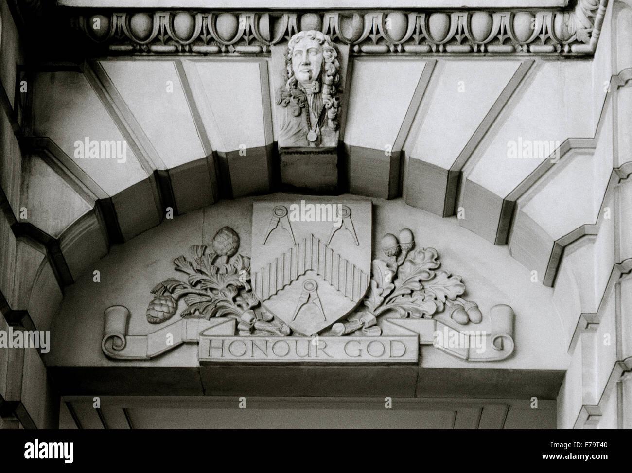 Masonic symbol in the City Of London in England in Great Britain in the United Kingdom UK. Calliper Callipers Freemason - Stock Image
