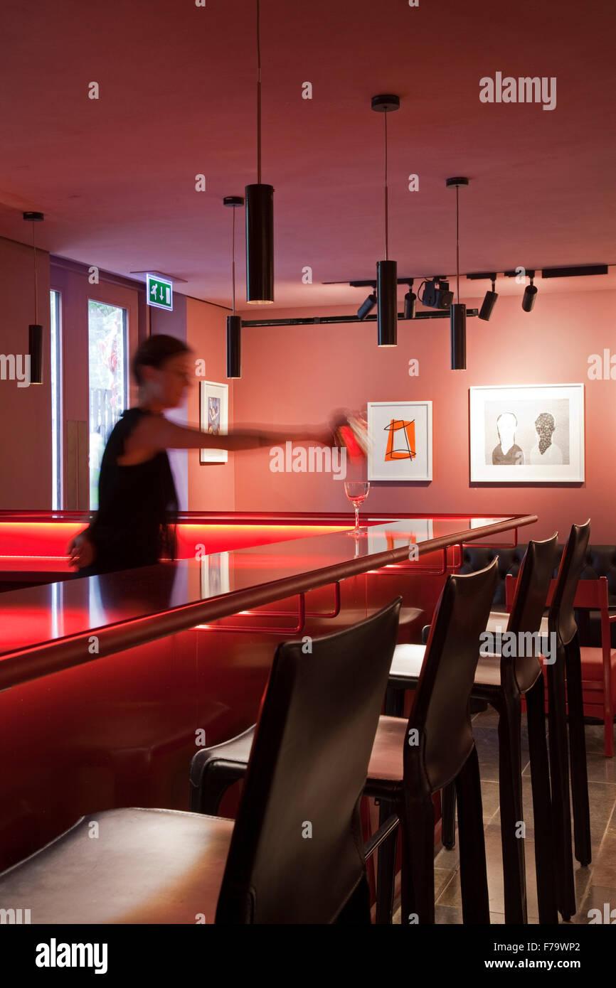 Waitress Uk Stock Photos Amp Waitress Uk Stock Images Alamy