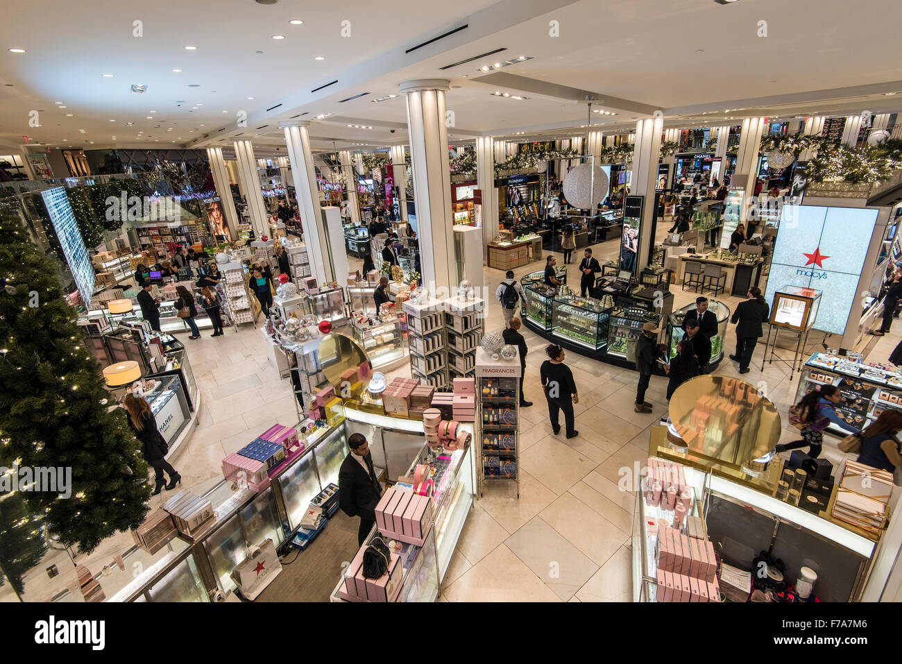 macy s department store herald square manhattan new york usa stock photo 90580006 alamy. Black Bedroom Furniture Sets. Home Design Ideas
