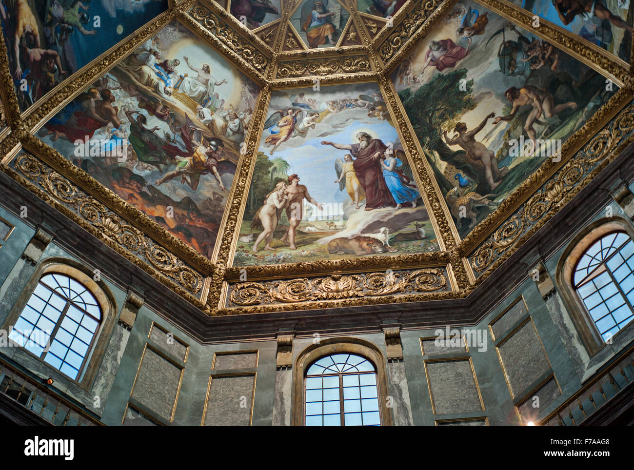Medici Painted ceiling of the Chapel of the princes. Architect: Matteo Nagetti and Bernardo Buontalenti Medici Chapels, Stock Photo