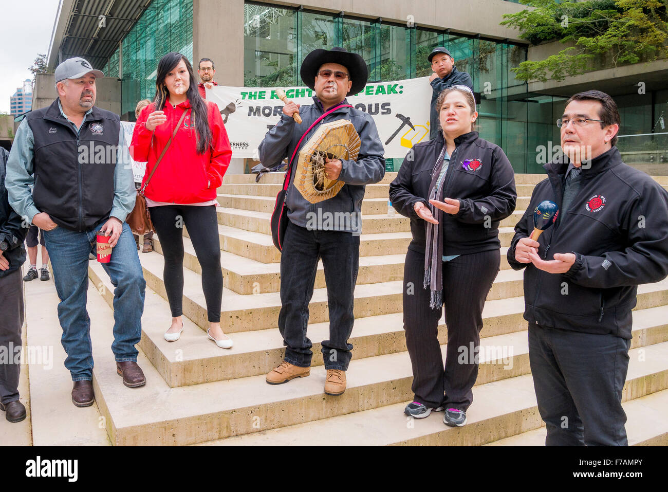 Tsilhqot'in Nation Chiefs rally outside Provincial Law Courts, Vancouver, British Columbia, Canada - Stock Image