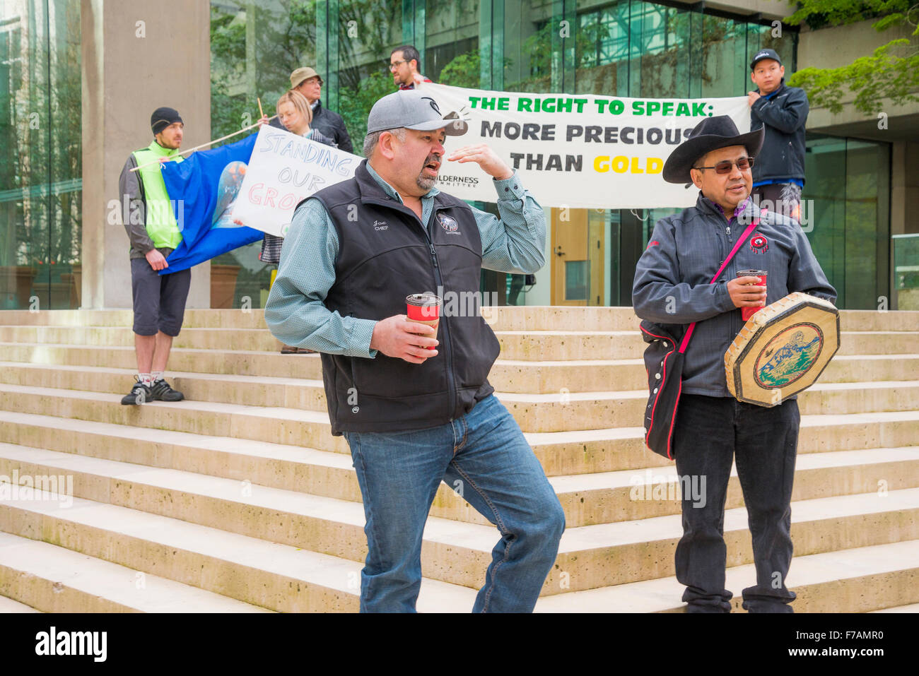 Tsilhqot'in Nation Chiefs outside Provincial Law Courts, Vancouver, British Columbia, Canada - Stock Image