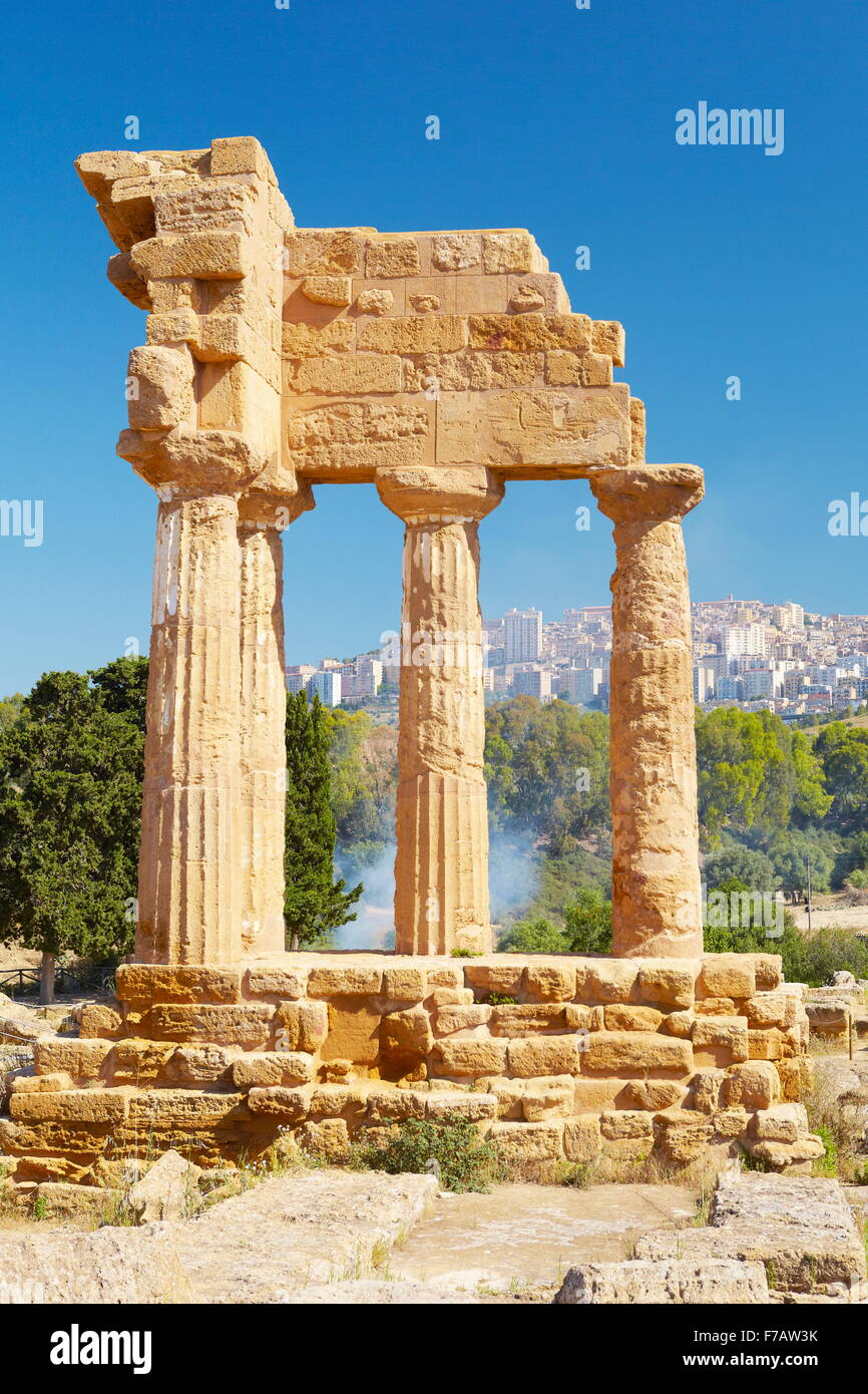 Agrigento, Temple of Castor and Pollux (Dioscuri temple), Valley of Temples (Valle dei Templi), Sicily, Italy - Stock Image