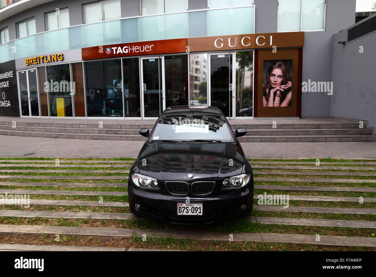 Bmw Store Stock Photos Amp Bmw Store Stock Images Alamy