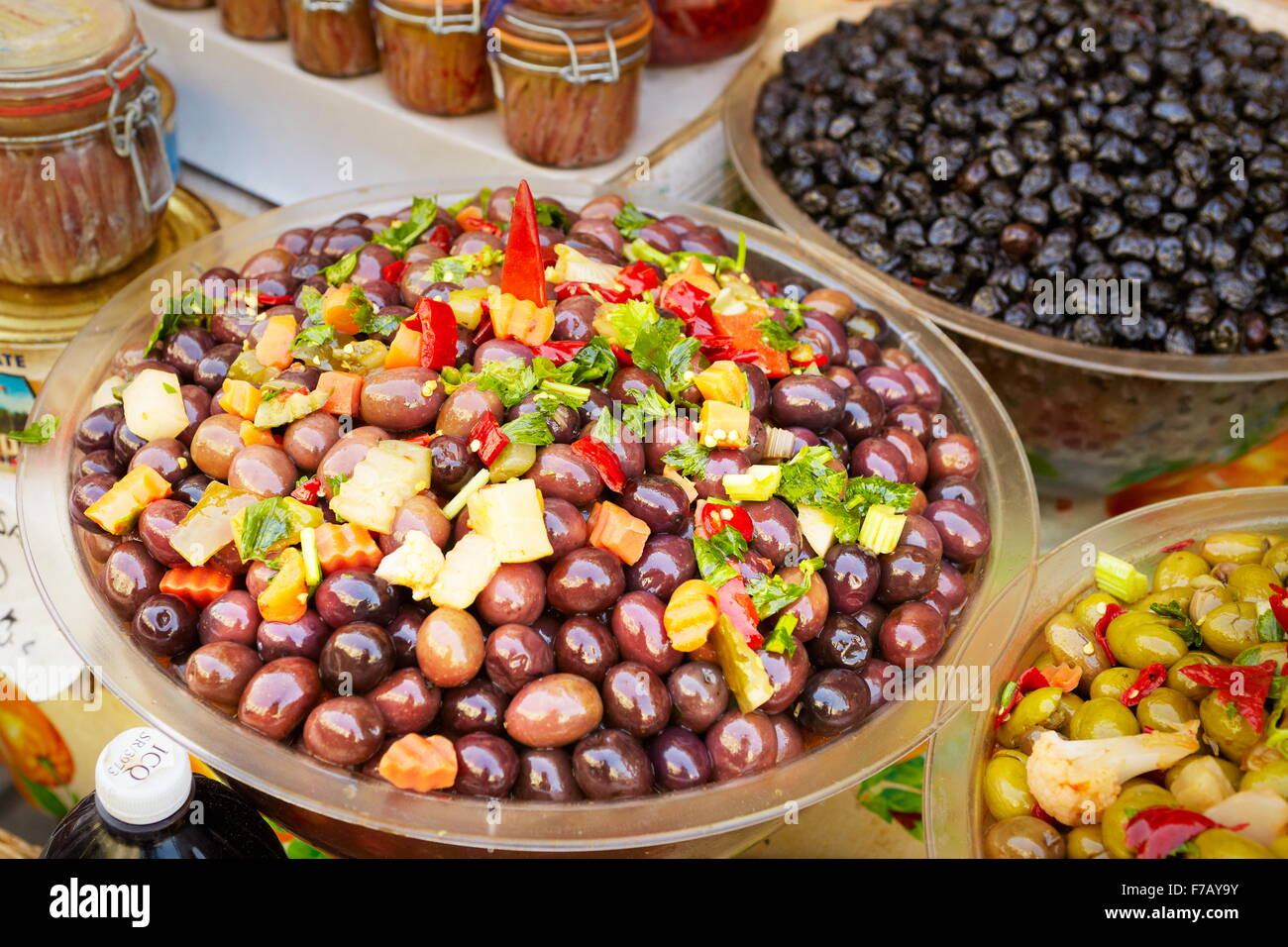 Olives, food market of Ortigia, Syracuse, Sicily, Italy - Stock Image