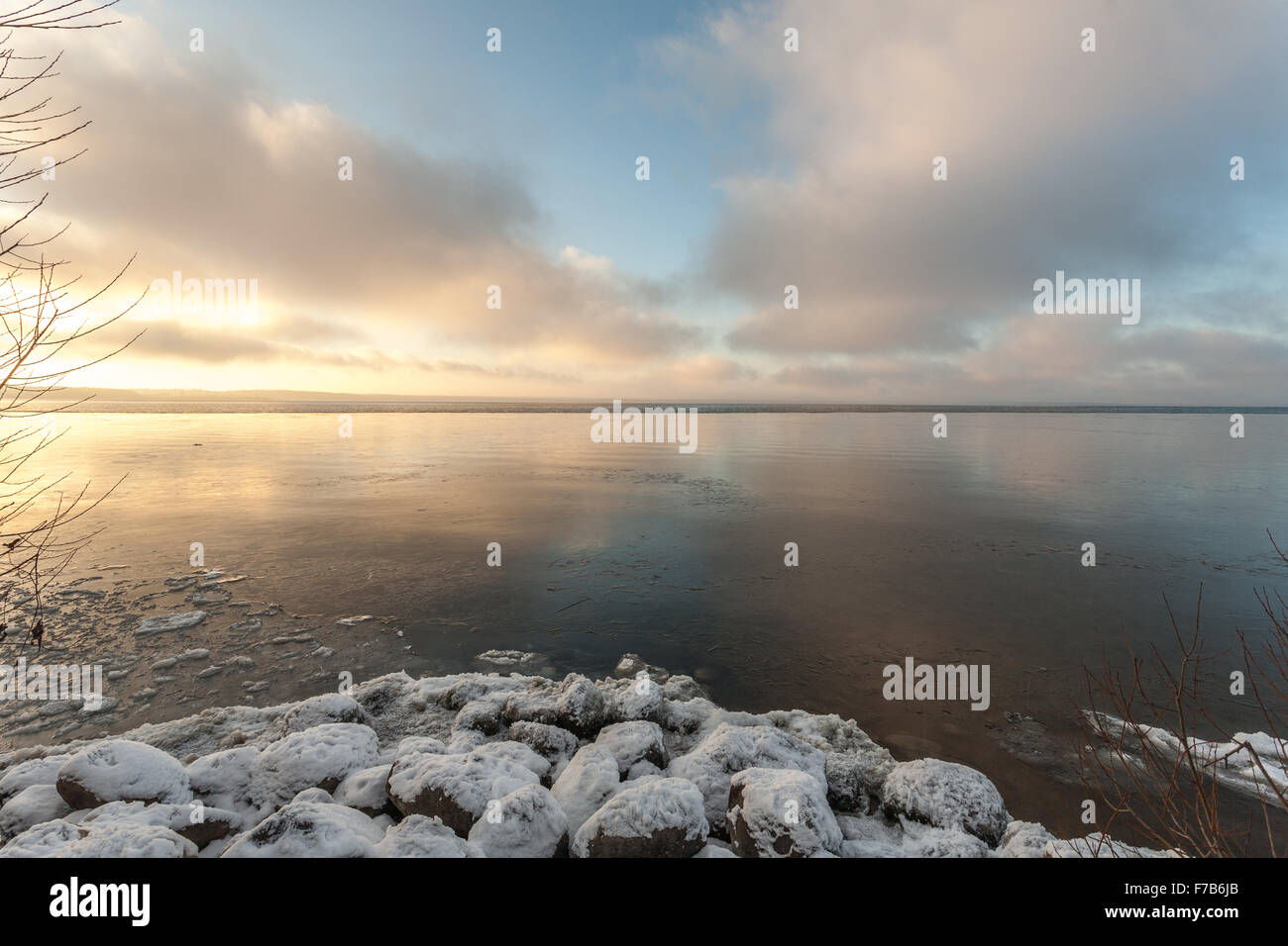 Pereslavl-Zalessky, Russia - November 26, 2015: clouds over the freezing lake. - Stock Image