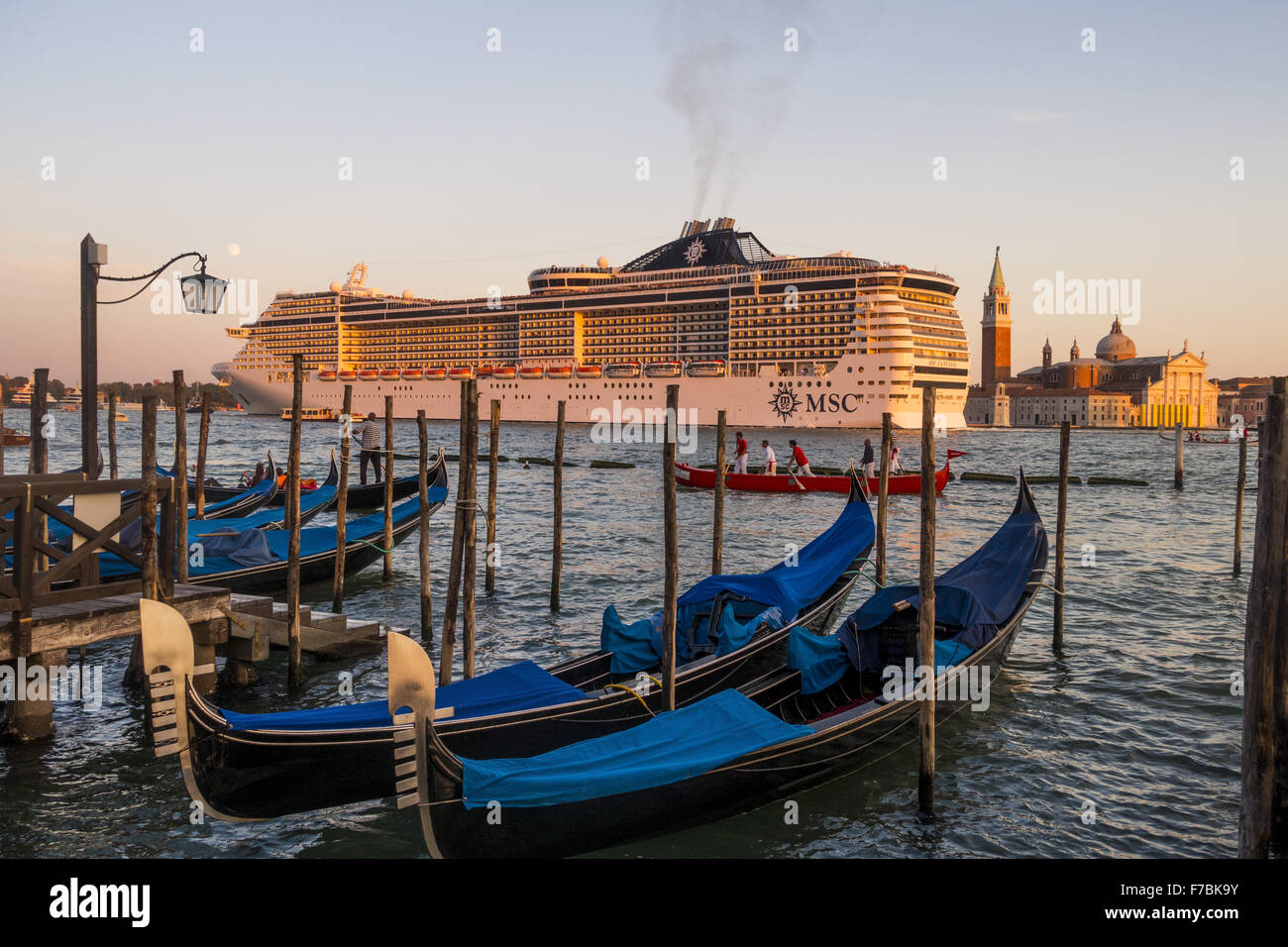 MSC Fantasia, Cruise Ship, Venedig, Venice, Venetia, Italy - Stock Image