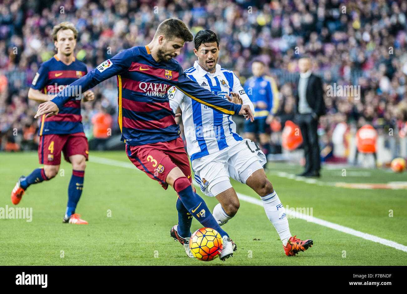 Barcelona, Catalonia, Spain. 28th Nov, 2015. FC Barcelona's defender competes for the ball during the league - Stock Image