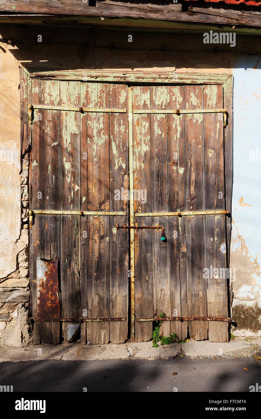 Old doorway, Pano Lefkara, Troodos, Cyprus. - Stock Image