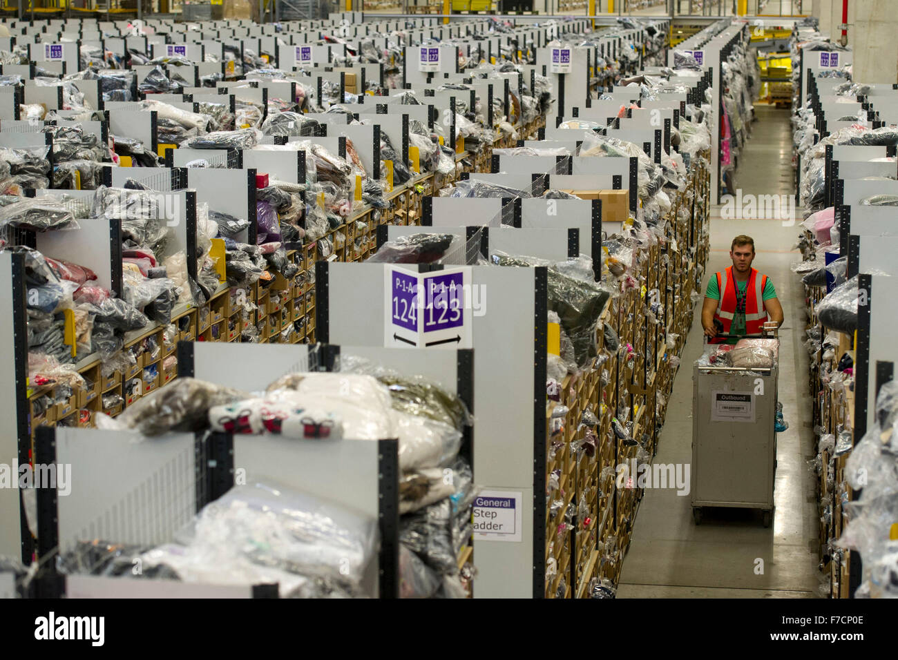 Fulfillment Stock Photos & Fulfillment Stock Images - Page 2 - Alamy