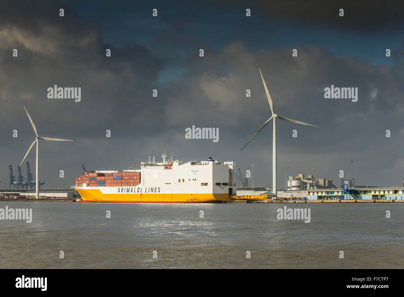 The container ship, Grande Congo berthed at the Port of Tilbury on the River Thames. - Stock Image