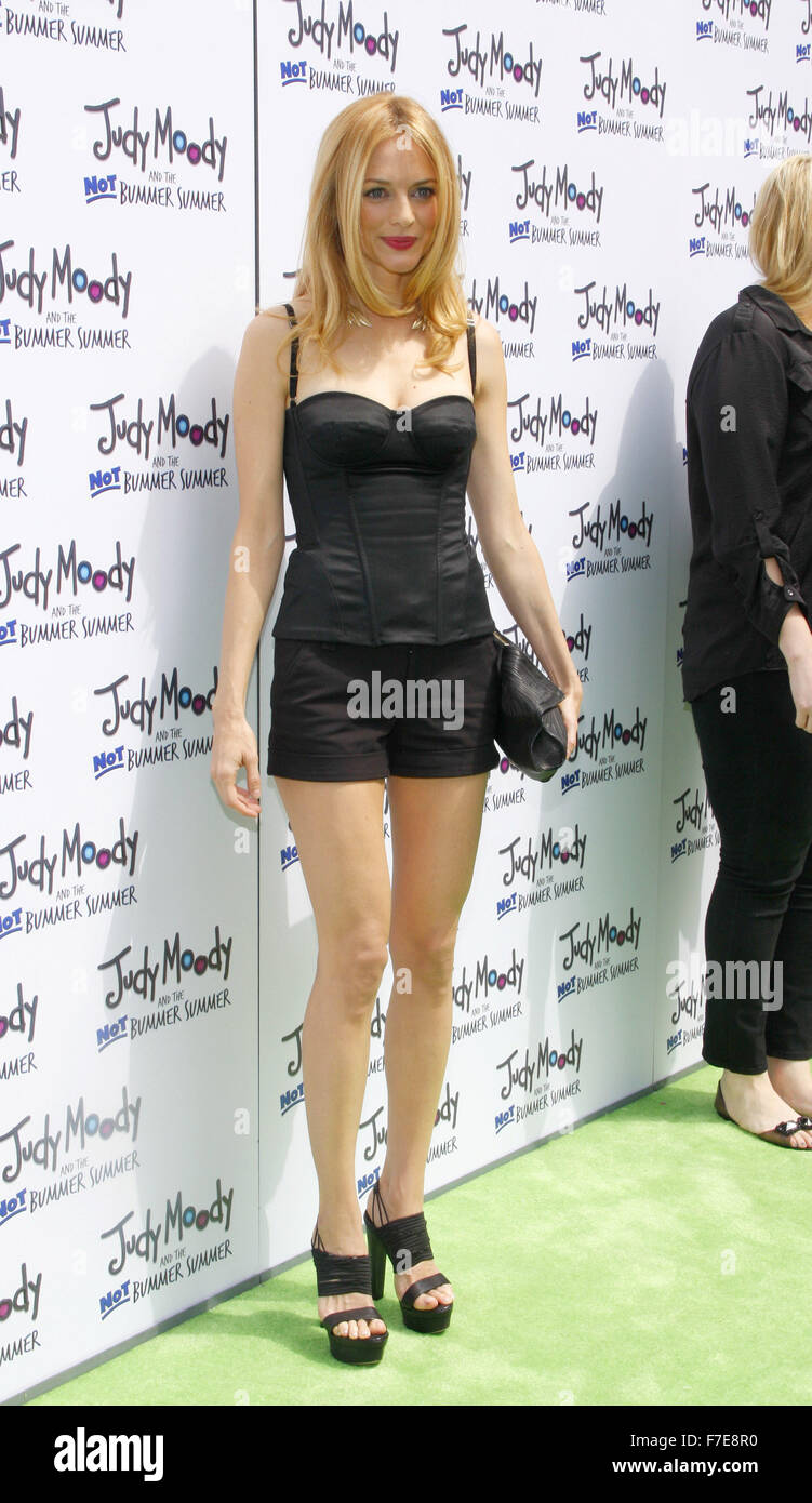 """Heather Graham Hot heather graham at the los angeles premiere of """"judy moody"""