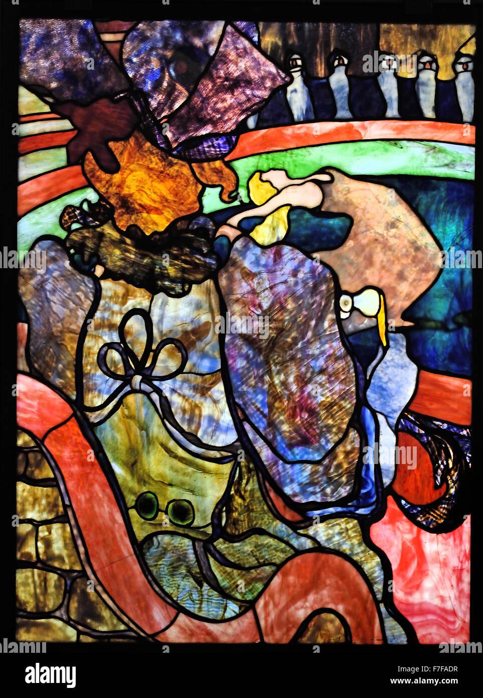 Henri de Toulouse Lautrec 1864 - 1901 Louis Comfort Tiffany  1848 - 1933 New Circus, Papa Chrysanthemum 1894 Stained Stock Photo