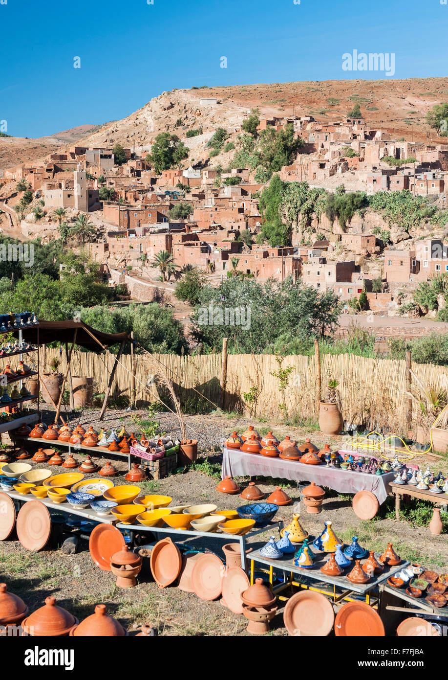 Pottery and curios for sale near Asni village in the Atlas mountains of Morocco. - Stock Image
