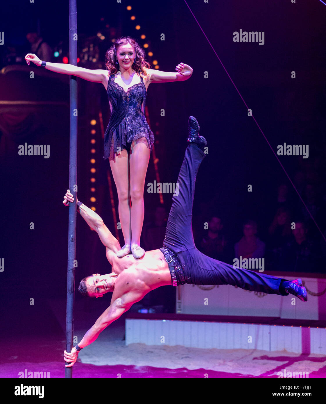 Artists of the Roncalli Circus (Duo Real) perform their show 'Salto Vitale'. - Stock Image
