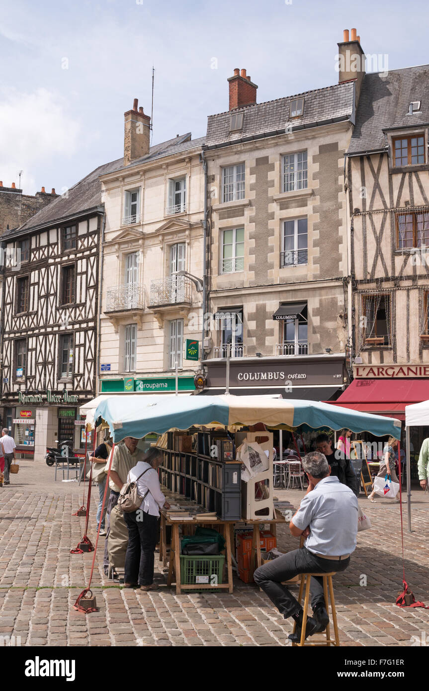 Bookseller and stall in the market place in Poitiers,  Vienne, France, Europe - Stock Image