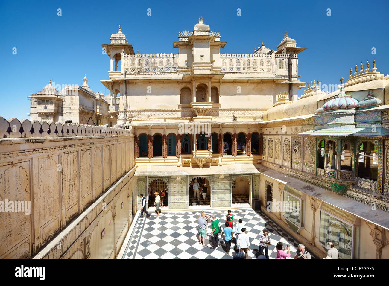 Udaipur - interior courtyard in the Udaipur City Palace, Udaipur, Rajasthan, India - Stock Image