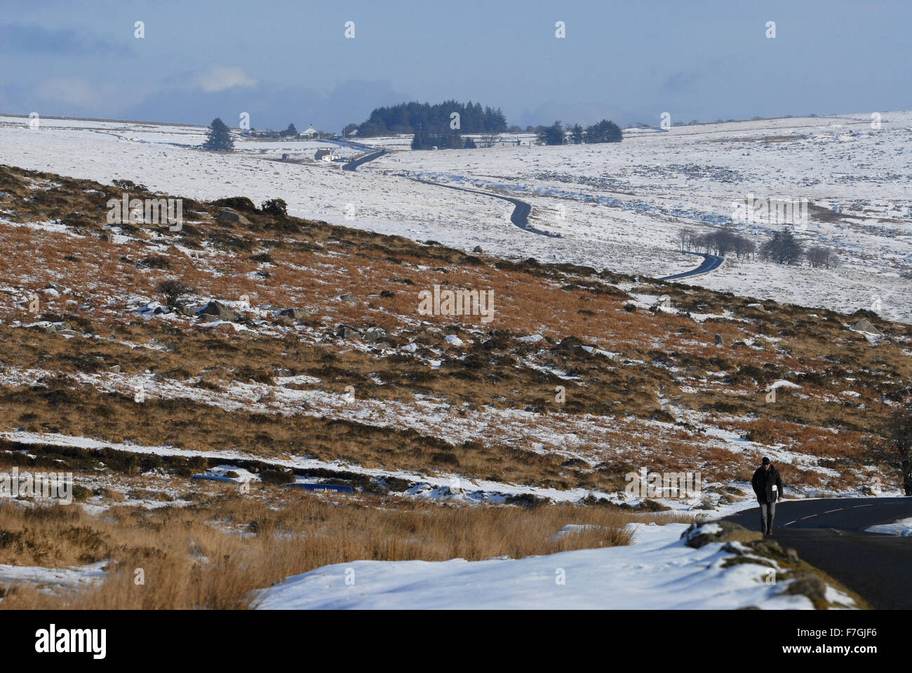View to Four Winds car park & Yellowmeade Farm from Whitchurch Common, along Pork Hill in winter. Dartmoor National - Stock Image