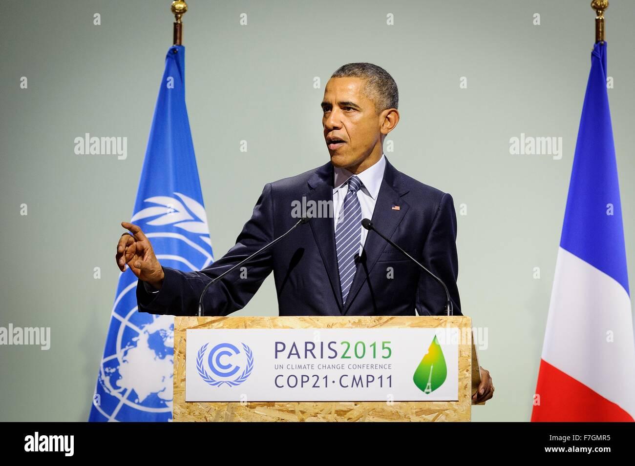 Le Bourget, France. 30th November, 2015. U.S. President Barack Obama addresses the plenary session of the COP21, - Stock Image
