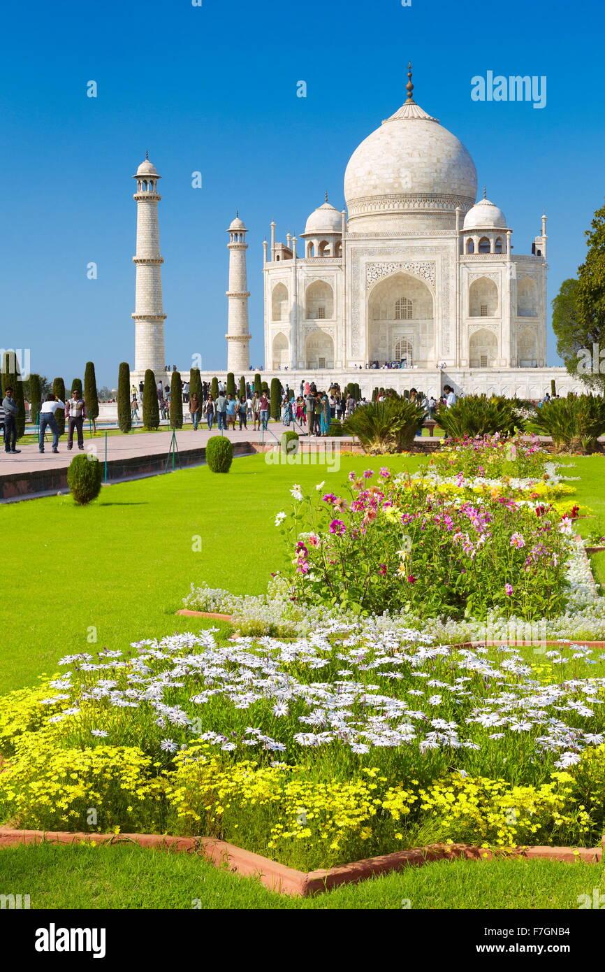 View of Taj Mahal and Mughal gardens, Agra, Uttar Pradesh, India - Stock Image