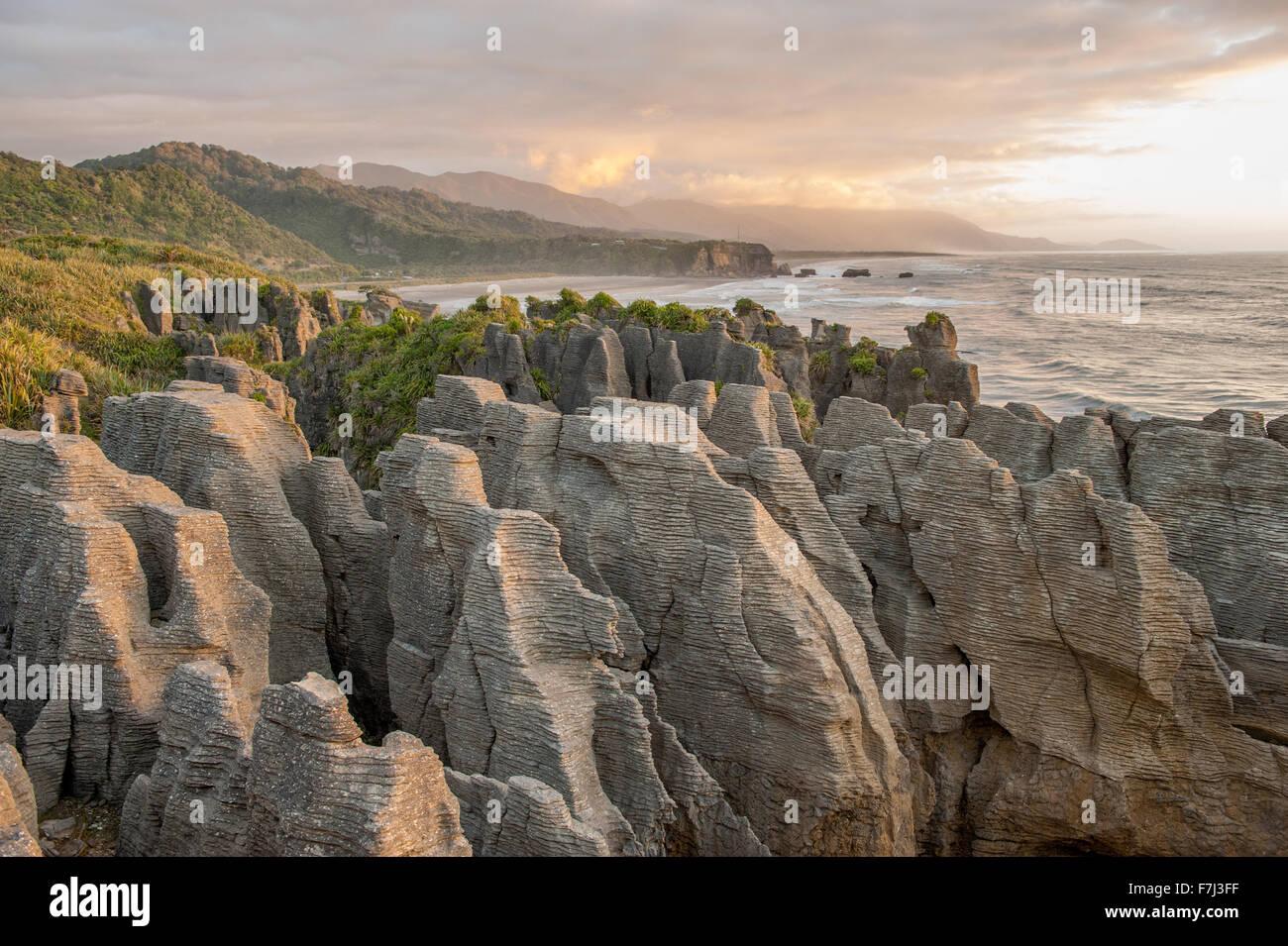 Pancake rocks in Punakaiki, South Island, New Zealand - Stock Image