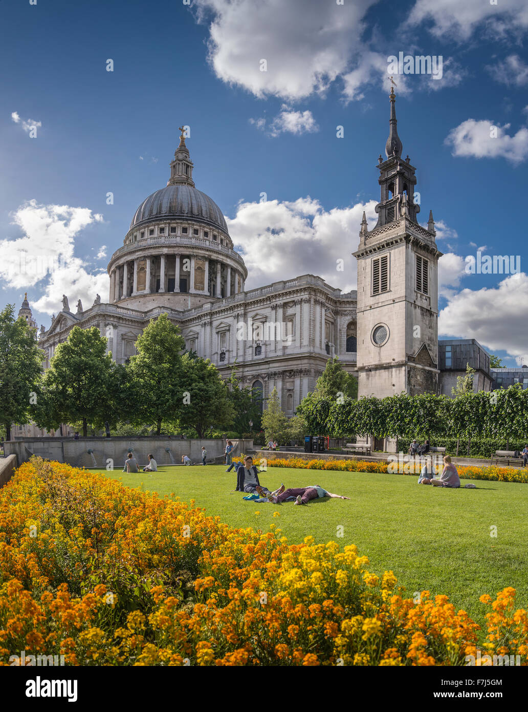 t Paul´s and Garden, London, UK - Stock Image