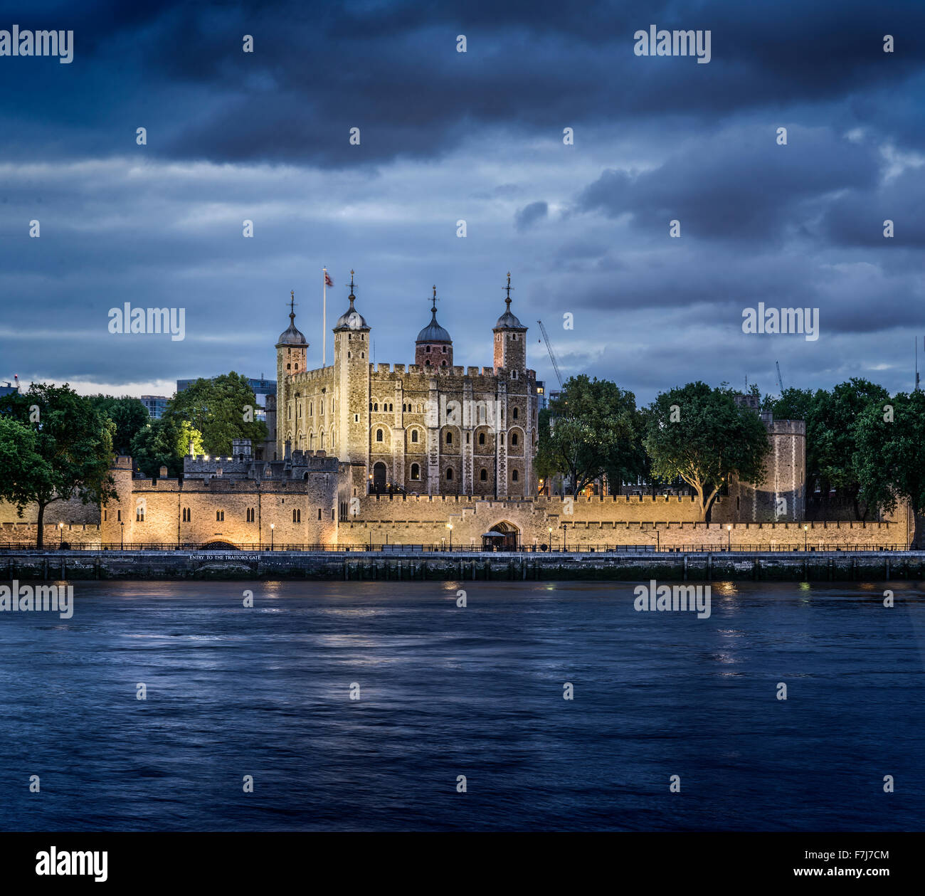 UK, England, London, Tower of London at night - Stock Image