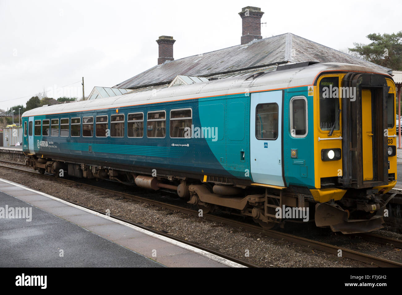 Class 153 Super Sprinters are single-coach diesel multiple units converted from two-coaches in Llandrindod Wells - Stock Image